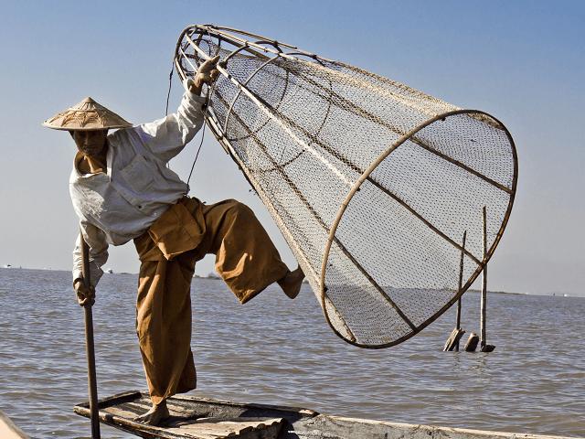 Mjanmarský rybár na jazere Inle